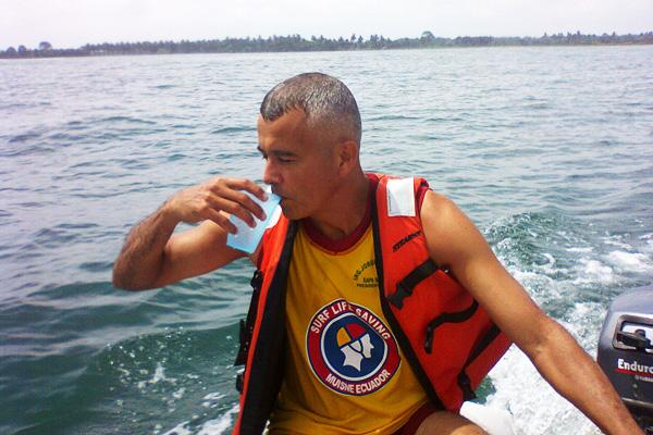 Dispensarios y oasis marinos: agua de mar frente al hambre y la enfermedad